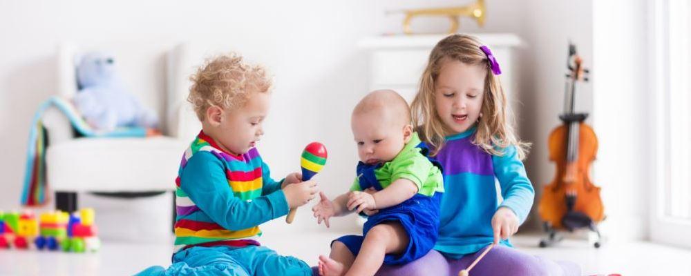 三孩生育政策来了 多孩家庭如何维持亲子关系