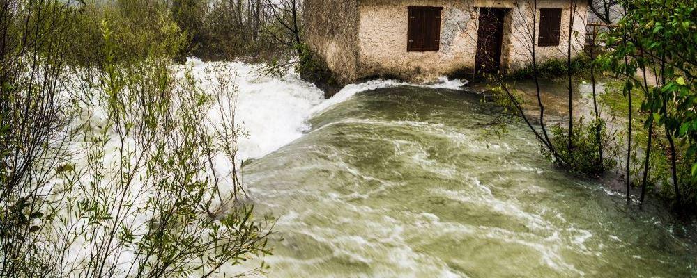 暴雨之后要注意防病 水灾过后如何防范瘟疫