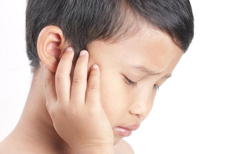 耳朵爬进虫子怎么办?