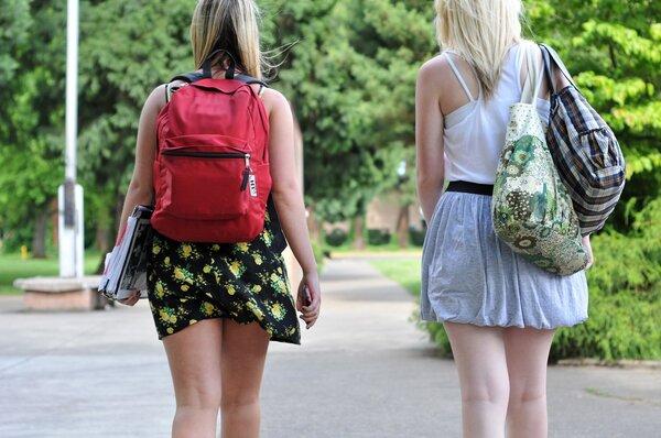 夏天穿短裙会不会感染HPV?